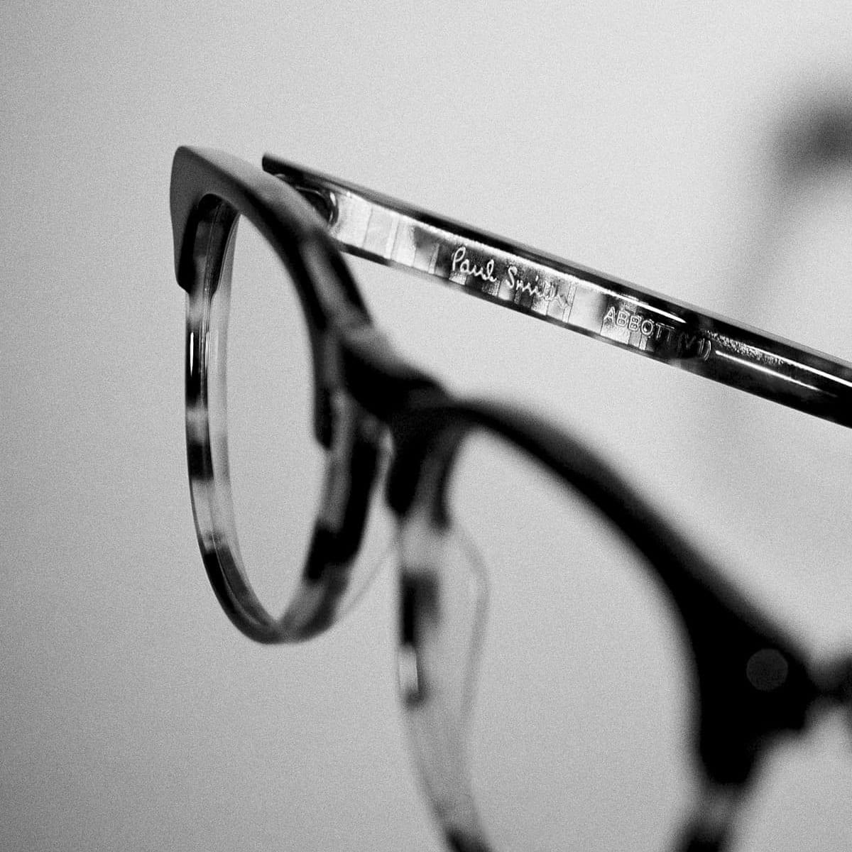 paul-smith-eyewear-glasses-stockist-opticians-west-midlands-shropshire-09